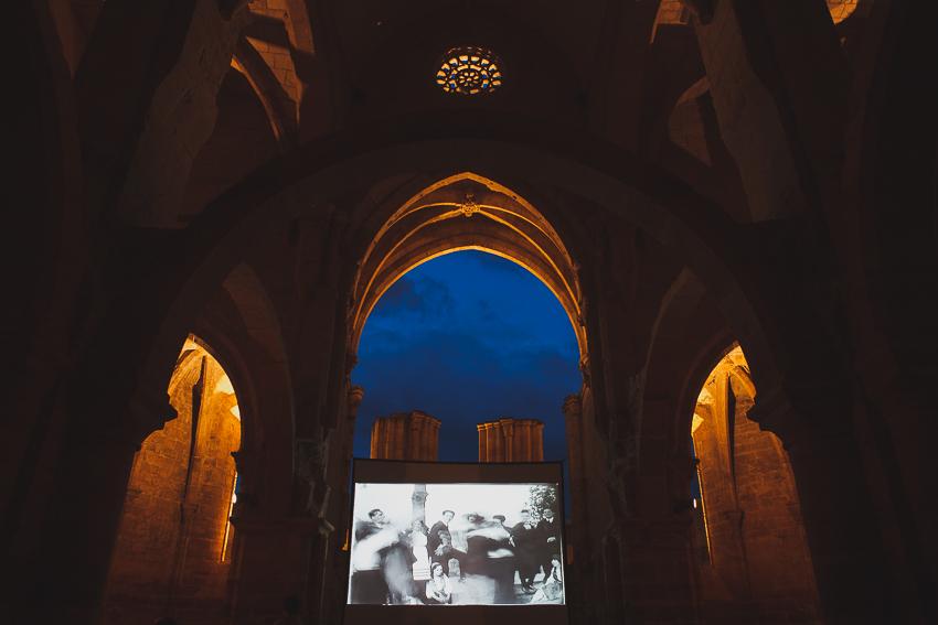 Tela de Cinema no Mosteiro de Santa Clara a Velha_2014_Miguel Von Driburg